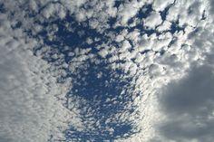 Himmel mit Schäfchenwolken