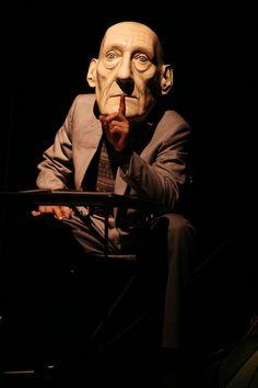 LE VIEUX DE LA MONTAGNE par Les Antliaclastes écriture, mise en scène, scénographie, marionnettes Patrick Sims