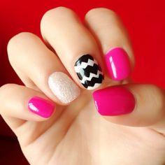 Summer nails, love them!