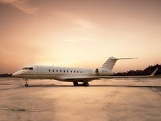 2011 Bombardier Global 5000 Coral Springs FL US - JamesEdition.com