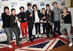 """Like One Directoin & Big Time Rush? How about a mash up of their songs """"What Makes You Beautiful"""" and """"Time of Our Life"""" Well it sounds fantastic! Download here    http://soundcloud.com/thejanedoze/bt1d-btr-vs-one-direction-1/s-QPlcB"""