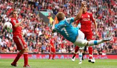 Cracking goal from Seb Larsson on the first day of the Premier League. Liverpool v Sunderland
