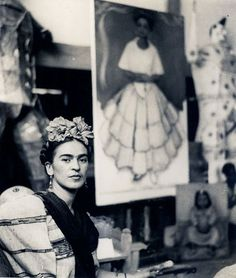 Frida Kahlo in Diego Rivera's studio by Nickolas Muray, Diego Rivera, Nickolas Muray, Kahlo Paintings, Frida And Diego, Frida Art, Cindy Sherman, Marianne, Mexican Artists, I Icon
