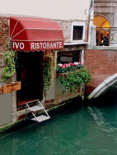 Going to Venice Italy? Go to Da Ivo! Amazing food! (I just want to go here so I can ride ona boat to it. This is where I want to live!