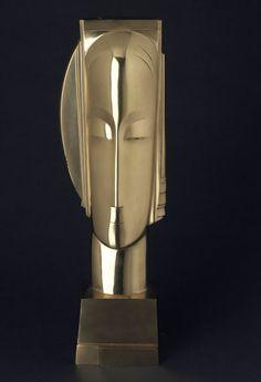 """Cette superbe oeuvre de Gustave Miklos """"Divinité Solaire"""" est emblématique de l'oeuvre et des formes de ce sculpteur merveilleux."""