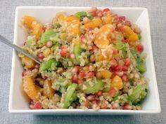 Édes bulgur egy nagyon egyszerű, pillanatok alatt elkészíthető étel, amely desszertként, főételként egyaránt fogyasztható, maradék bulgurból is elkészíthető, de az elkészítéshez használhatunk kölest, kuszkuszt, gerslit, quinoát, rizst, hajdinát is. #bulgur #édesség #gyümölcs #bulkshop Salad Dressing, Fried Rice, Quinoa, Healthy Life, Fries, Favorite Recipes, Paleo, Vegan, Ethnic Recipes