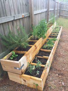 Herb Garden Design, Vegetable Garden Design, Backyard Garden Design, Vegetable Bed, Backyard Landscaping, Small Herb Gardens, Small Backyard Gardens, Outdoor Gardens, Raised Herb Garden