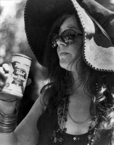 "Janis Lyn Joplin walked off the stage after her duet with Ronnie"" Van Zant. She wore a custom made hat by Nigel Rayment and an outfit by Michael Fish. As Janis returned to her table, the guest and participants stood up and chanted ""Pearl, Pearl, Pearl."""