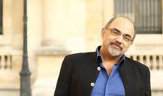Pierre Jovanovic en dédicace à Perpignan