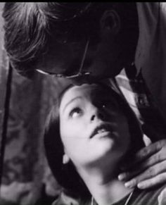 """Olivia said, """"One of my favorite all time photos of Franco Zeffirelli and IWe had such a bond and understanding❤️Happy memory"""" Great Love Stories, Love Story, Hades Greek Mythology, Film Romeo And Juliet, Zeffirelli Romeo And Juliet, Leonard Whiting, Italian Romance, Olivia Hussey, Romance Film"""