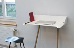 Simple and smart – perfect working from home - relevant news at STYLEPARK Office Furniture Design, Table And Chairs, Tables, Deco Design, Minimalist Interior, Getting Organized, Console Table, Home Office, Shelving