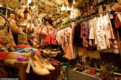 Pictures of Grimoire Shibuya, a Tokyo fashion boutique that has become the center of the Japanese Dolly-kei scene. Harajuku Japan, Tokyo Shopping, Vintage Outfits, Vintage Fashion, Vintage Dress, Vintage Style, Second Hand Shop, Shop Front Design, Layout
