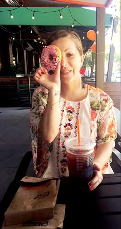 Donut Me Crazy 🍩🍩🍩 at the new @dunkindonuts in Pasadena !!!!! #dunkins #pasadena #southlake #dunkindonuts #icedtea #strawberrydonut #delicious #yummy #greatservice #sofun #mynewspot #bloggerlife #blogginggal #fun #summertime #love #passion #blessed #dayinthelife #moodofthemoment #yesplease