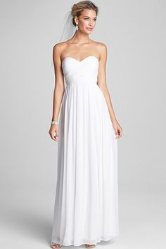 15 Gorg Wedding Dresses For The Thrifty Bride #refinery29