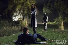 """Arrow -- """"Vendetta"""" -- Image AR108a_1232b -- Pictured: Jessica De Gouw as Huntress and Stephen Amell as Arrow -- Photo: Jack Rowand /The CW -- ©2012 The CW Network. All Rights Reserved"""