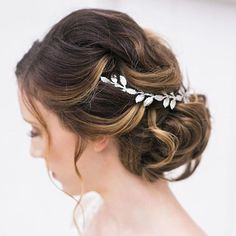 Greek Goddess   #wedding #updo #greek #romantic #bun #lowbun #headband #classic #bride   Hair @tarasebastianis   Photography @samanthabanksphotography