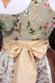 Mint green floral and brown skirt. Afbeeldingsresultaat voor dirndl exclusiv