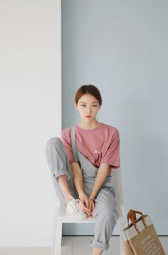 k-ayo: Modern straight overalls Korean Fashion Dress, Korean Fashion Casual, Korea Fashion, Asian Fashion, Fashion Kids, Outfits Jeans, Cool Outfits, Casual Outfits, Fashion Outfits