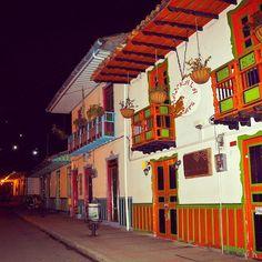#Salento #colombie #souvenir #travel #travels #voyage #voyages #tourisme #photography #travelphotography #circuit #sejour #restaurant #hebergement #jungle #cocora #Latinexperience #village #landscape http://bit.ly/1sVKY0A
