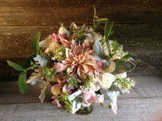 Vintage Wedding Flowers & Bouquets | #Cafeaulaitbouquet #blushbridesbouquet #dragonflyfloral