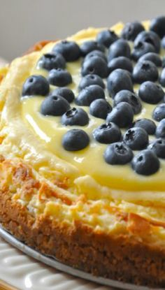 Lemon Blueberry Cheesecake. I love Cheesecake. This one looks like it would break my heart. #TooManyLovers