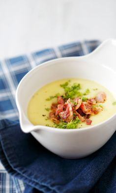 Pekoninen peruna-kukkakaalikeitto // Potato & Cauliflower Soup with Bacon… I Love Food, Good Food, Yummy Food, Tasty, Food N, Food And Drink, Healthy Cooking, Healthy Recipes, Healthy Food