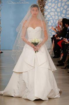 Gorgeous wedding dress, Oscar de la Renta and Oscars on Pinterest