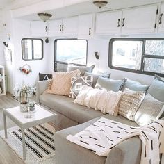 5 Items That Improved Full-Time RV Living RV Living Are you looking for RV to be full-time living with RV to be full-time living on the road? Here are some factors that you need to look into in order to. Tyni House, Tiny House Living, Living Room, Small Living, Rv Homes, Rv Interior, Motorhome Interior, The Doors, Camper Makeover