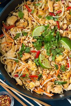 Chicken Pad Thai - This was ridiculously good!!! #ThaiFoodRecipes