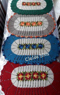 Crochet Table Mat, Crochet Coat, Chrochet, Diy Projects To Try, Crochet Doilies, Needlework, Crochet Patterns, Weaving, Diy Crafts