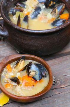 Receta Típica Chilena: Caldillo de Congrio. Aprende paso a paso como cocinar un sabroso caudillo de congrio.