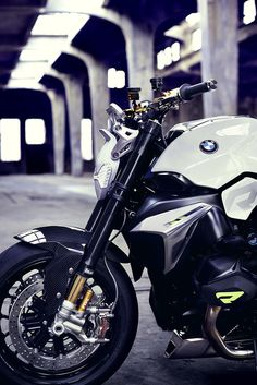 BMW Motorrad Concept Roadster represents a modern interpretation of the classic BMW motorcycle. Just like any typical BMW roadster, it is equipped with powerful Bmw Concept, Bmw Roadster, Moto Design, Bike Design, Concept Motorcycles, Cool Motorcycles, Rolls Royce, Gs 1200 Adventure, Dreams