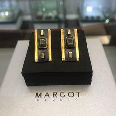 Wykonane w pełni ręcznie kolczyki z naturalnymi turmalinami. Elementy złocone 24 kr złotem pięknie podkreślają odbijające się światło.