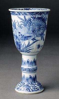 Lovely blue and white goblet, ca 1690, China