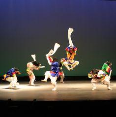 탈춤 (Korean mask dancing)