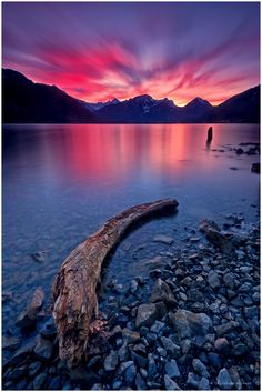 285 Seconds Sunset Light by Christian Ringer on Walensee Beautiful Sites, Beautiful Sunset, Beautiful World, Beautiful Images, Beautiful Things, Belleza Natural, Amazing Nature, Wonders Of The World, Places To See