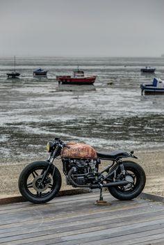 Bobber or cafe racer Blitz Motorcycles, Honda Motorcycles, Vintage Motorcycles, Custom Motorcycles, Custom Bikes, Cx500 Cafe Racer, Scrambler, Moto Cafe, Cafe Bike