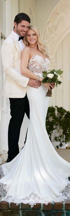 Sweetheart Lace Wedding Dress from Martina Liana  / http://www.deerpearlflowers.com/wine-bottle-vineyard-wedding-decor-ideas/