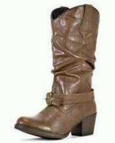 Brown boots <3