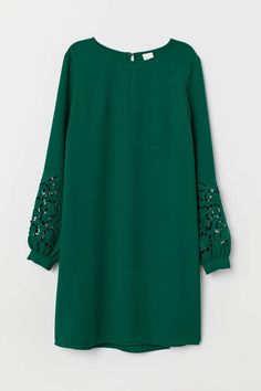 Source by dress green Stylish Dresses, Simple Dresses, Short Dresses, Simple Dress Pattern, Dress Patterns, Hijab Style Dress, Dress Up, Lace Dress, African Fashion Dresses