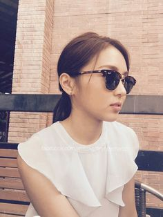 a well read woman is a dangerous creature /kathryn bernardo Filipina Actress, Queen Of Hearts, Blue Hearts, Daniel Padilla, Cant Help Falling In Love, Kathryn Bernardo, Jadine, Child Actresses, Beautiful Inside And Out