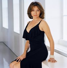Eye of the Older Beholder Beautiful Women Over 40, My Kind Of Woman, Look Older, Tv Presenters, British Actresses, Older Women, How To Look Better, Cold Shoulder Dress, Female