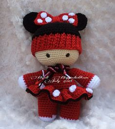 Minnie Big Head Baby Doll Found On Ravelry project Gallery. I've been told a pattern similar to the ear hat can be found here: http://www.repeatcrafterme.com Thank you to that pinner for that tip.
