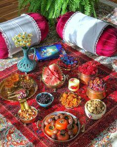 Haft Seen, Yalda Night, Persian Decor, Iran Food, Iranian Cuisine, Whats Gaby Cooking, Dinner Party Menu, Persian Culture, Food Decoration