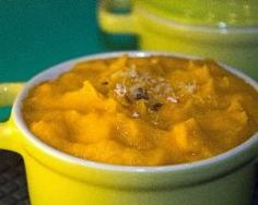 Purée de carottes dorée au lait de coco et au cumin