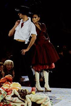 Jean Paul Gaultier Spring 1998 Ready-to-Wear Fashion Show - Tanel Bedrossiantz