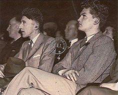 Jean Cocteau et Jean Marais en 1937 (photo DR) Collection A. Art Essay, Emperors New Clothes, Jean Cocteau, Photo Portrait, Famous Photos, Marcel Proust, Famous Stars, Film Music Books, Man In Love