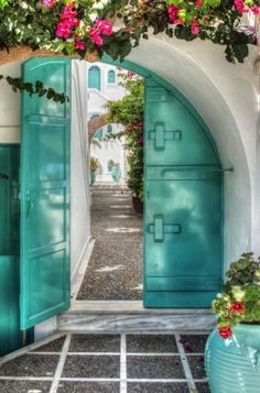 pinned by barefootstyling.com Mediterranean Living door