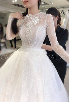 Plain Wedding Dress, Classic Wedding Dress, Wedding Dress Sleeves, Modest Wedding Dresses, Designer Wedding Dresses, Bridal Dresses, Wedding Gowns, Dress Lace, Princes Dress