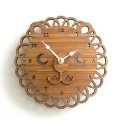 Wanting this lovely lion clock!
